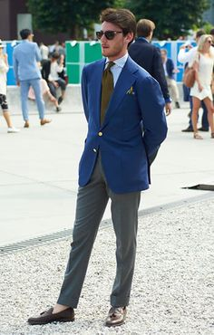 italian dudes get it right. impeccable fit. striking blazer. penny loafers strike again