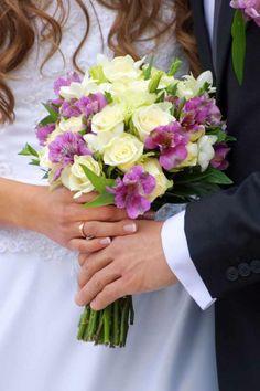Brautstrauß flieder weiß