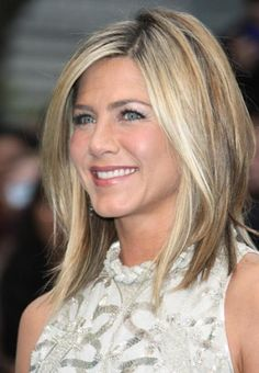 jennifer anniston longer bob with highlights