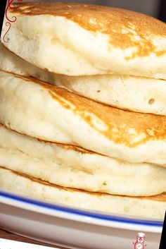 A surefire recipe to make fat and fluffy pancakes, without any buttermilk or special ingredients.#Pancake #Recipe #Pancakes #Fluffy Pancake Recipe For One 12+ Fluffy Fluffy Pancakes   Pancake Recipe For One No Egg   2020 Homemade Pancakes Fluffy, Tasty Pancakes, Homemade Breakfast, Protein Pancakes, Waffle Recipes, Baking Recipes, Pancake Recipes, Pancake Recipe No Buttermilk, Super Fluffy Pancakes Recipe