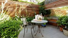 Townhouse Patio Garden with Streamlined Linear Fencing