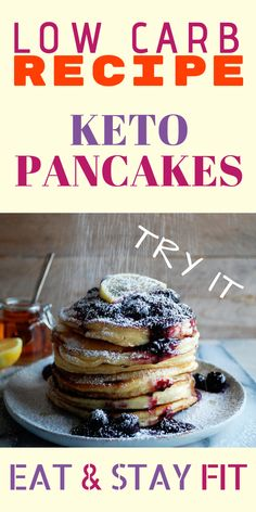 Delicious keto snacks that you can enjoy. We found the best keto friendly sweet and savoury snack recipes online and put them together in this post! Low Carb Keto, Low Carb Recipes, Cooking Recipes, Low Carb Breakfast, Breakfast Recipes, Menu Dieta, Keto Pancakes, Waffles, Lchf