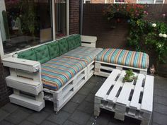 DIY pallet bench. Time for the summer!!