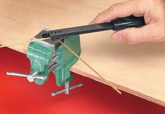 Vise-Mounted Wire Bender