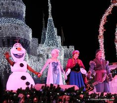 Frozen Holiday Wish at Mickey's Very Merry Christmas Party aaawwww Disney World Countdown, Disney World Vacation, Disney Vacations, Walt Disney World, Disney Travel, Disney Parks, Disney Day, Disney Tips, Disney Food