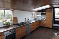 Harbour View Houseboat Apartment in Amsterdam