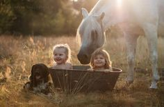 30 Beautiful Portraits Of Children And Animals That Capture The Magical Innocence Of Childhood. Beautiful Children, Beautiful Horses, Animals For Kids, Cute Animals, Kind Photo, Concours Photo, Tier Fotos, Foto Art, Equine Photography