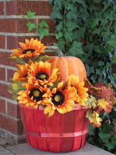 simple planter, pumpkin, flowers