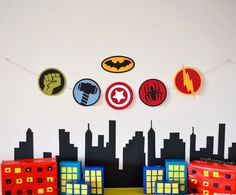 Superhero birthday party for boys and girls themed after avengers and marvel comic with free printables and easy ideas to decorate and have fun on a budget. Diy Superhero Birthday Party, Superhero Party Games, Superhero Party Decorations, Party Themes For Boys, Avengers Birthday, Batman Birthday, Batman Party, 6th Birthday Parties, 4th Birthday