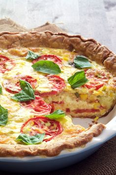 Tomato and Corn Pie with Fresh Basil is a twist on classic Southern tomato pie. It's the ultimate summertime quiche for brunch, lunch or light supper. Quiche Recipes, Tart Recipes, Brunch Recipes, Veggie Recipes, Summer Recipes, Breakfast Recipes, Vegetarian Recipes, Cooking Recipes, Fresh Corn Recipes