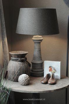 End Table Decor. Side Table In Living Room Decor | Koektrommel.