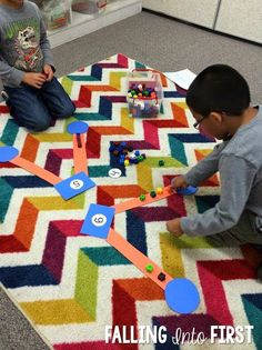 Hands-on Math number bonds with Singapore Math in first grade (via Falling Into First) Numbers Kindergarten, Math Numbers, Decomposing Numbers, Kindergarten Class, Fun Math, Math Activities, Math Resources, Math Games, Math Stations