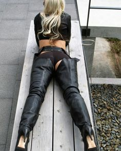 Pin by Presence .the finishing touch on OMG! Sexy Boots, Sexy Heels, Thigh High Boots Heels, Heeled Boots, High Leather Boots, Leather Pants, Leather Fashion, Fashion Boots, Crotch Boots