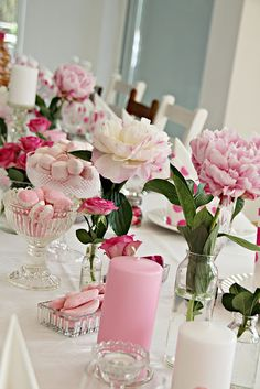 spring floral with loads of treats and pretty Flower Decorations, Table Decorations, Pink Table, Birthday Design, Deco Table, Holidays And Events, Pillar Candles, Christening, Floral Arrangements