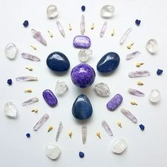 Crystal Grids are the energetic marriage of sacred geometry with our dearest crystals with the intention of making manifest our deepest dreams, goals, and desires. Crystal Magic, Crystal Grid, Crystal Healing, Quartz Crystal, Crystals And Gemstones, Stones And Crystals, Crystal Mandala, Things Under A Microscope, Witch Aesthetic