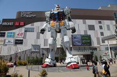Vamos ao museu Gundam com Guillermo Del Toro ~ Neuralizador Digital