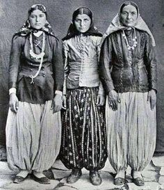 iranin women in ghajar