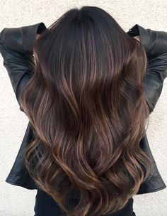 Long Wavy Ash-Brown Balayage - 20 Light Brown Hair Color Ideas for Your New Look - The Trending Hairstyle Auburn Balayage, Brown Hair Balayage, Brown Ombre Hair, Brown Blonde Hair, Brown Hair With Highlights, Balayage Brunette, Brunette Hair, Chocolate Bayalage, Dark Brunette Balayage Hair