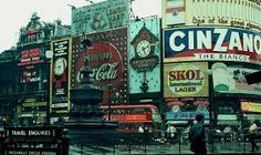 24 Color Photos of Swinging London - - Flashbak Vintage London, Old London, West London, Swinging London, Piccadilly Circus, London Clubs, London History, Isle Of Wight, London Calling