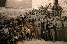 Brigadistes de la brigada Lincoln al Molí paperer de Marçà War Photography, Lest We Forget, Spanish, World, Lincoln, Painting, War, Soldiers, Warriors
