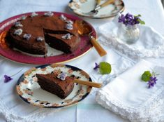 Thrifty and Organic Meal Plan, desserts included! Chocolate Truffle Cake, Chocolate Truffles, Chocolate Cakes, Microwave Dishes, Slow Roast Lamb, Nutritional Yeast Recipes, Spiced Cauliflower, Benefits Of Organic Food, Mint Salad