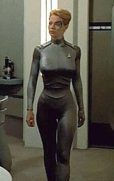 Seven of Nine/Annika Hansen (Jeri Ryan) - Star Trek: Voyager Star Trek Cosplay, Batman Cosplay, Star Trek Voyager, Star Trek Enterprise, Jerry Ryan, Star Trex, Star Trek Crew, Star Trek Characters, Star Trek Books