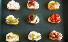 ELLE menu: Tapas, fingerfood nebo chlebíčky! Canapes, Finger Foods, Baked Potato, Tapas, Appetizers, Potatoes, Menu, Baking, Breakfast