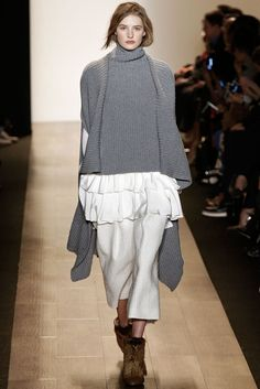 BCBG Max Azria - Fall 2015 Ready-to-Wear - Look 2 of 31