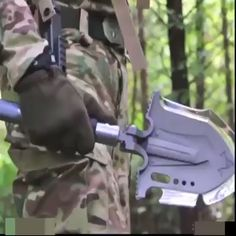 Portable Military Folding Shovel with Tactical Waist Pack & Multi-Tools - Raven - Portable Military Folding Shovel with Tactical Waist Pack & Multi-Tools Portable Military Folding Shovel with Tactical Waist Pack & Multi-Tools - Survival Life Hacks, Survival Tools, Survival Prepping, Tac Gear, Diy Resin Crafts, Cool Inventions, Waist Pack, Outdoor Survival, Cool Tools