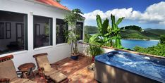 Windwardside: Quiet, Great View, Hot Tub, elegantly appointed, lush gardens