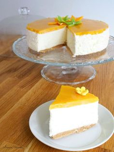 Annin Uunissa: Parhaista Parhain Mangojuustokakku Delicious Cake Recipes, Yummy Cakes, Dessert Recipes, Finnish Recipes, Just Eat It, Cake Fillings, Easy Baking Recipes, Sweet Pastries, Frosting Recipes