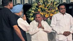 Mulayam meets Manmohan on quota in AIIMS superspeciality section
