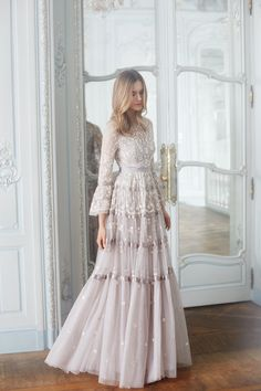 20 Romantic Enchanted Wedding Dresses for Modern Brides