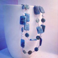 Collar doble hecho de jaspe del océano en forma rectangular y ovalada y perlas cultivadas grises de diferentes tamaños Malaladeperlas on Etsy https://www.etsy.com/listing/218395217/double-pearl-necklace-and-ocean-jasper