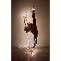 Χριστουγεννιάτικο Stretch Strap . Γιατί ο χορός χρειάζεται φαντασία!