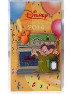 Disney Visa Cardmember Collection Dopey on Main Street 2014 Pin Disney Signatures, Disney Visa, Disney Trading Pins, Blue Sparkles, Orange Background, Plum Color, Mickey Ears, The Balloon, Main Street