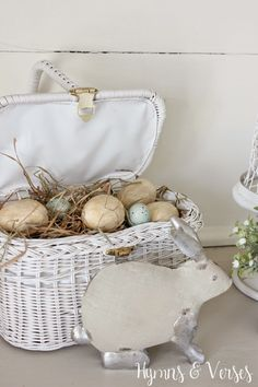 This pretty spring vignette was made using a mix of vintage finds and reproductions and is one of my favorites! It would be perfect for Easter too! Easter Parade, Easter Holidays, Happy Holidays, Spring Has Sprung, Cool Diy Projects, Easter Baskets, Cottage Style, Seasonal Decor, Happy Easter