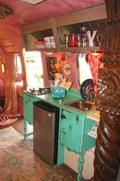 Put real furniture in a camper! our own JuNK Gypsy airstream, amie's and indie's little love shack! designed especially for mama and daughter. vintage BUFFET turned into kitchen counter! Vintage Campers Trailers, Retro Campers, Camper Trailers, Camper Van, Travel Trailers, Diy Camper, Camper Life, Airstream Campers, Kombi Trailer