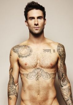 Adam Levine of Maroon 5 Sexy! Maroon 5, Look At You, How To Look Better, Marylin Monroe, Kanye West, Beautiful Men, Beautiful People, Hello Gorgeous, Amazing People