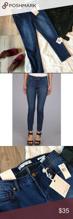 Anne Klien lion logo skinny ankle denim jeans Complet a kickin look with these Anne Klien Leo skinny ankle jeans in a medium wash. With a skinny fit through the thighs and leg. Button and zipper closure with belt loops. I have some great sweaters that would pair well with these jeans and love to offer a bundle discount. Happy poshing. Anne Klein Jeans Skinny