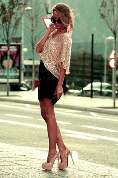 Blake Lively: go-to party outfit #shimmer #sparkles #gold  http://www.studentrate.com/fashion/fashion.aspx