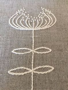 Listo para enviar! Manteles de lino con la mano bordado en color marfil. Los manteles individuales miden 17 x 12 (43x30.5 cm) y a partir de tela de