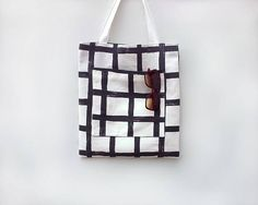Large tote bag with pockets / Black and white cotton tote bag / Shoulder bag / Men's tote / Market tote bag / Modern shopping bag / Sac
