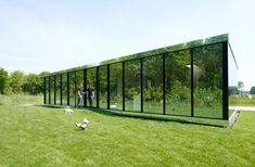 Reflective mirror house by Johan Selbing