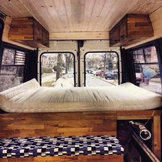Look at those clean line. And that ceiling. #VanCrush . . Repost from @nilsholle #vanlife