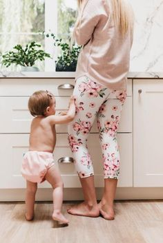 Clothing to match cloth diapers? Definitely with the Blush Collection Womens Eco Leggings match the Blush Collection of cloth diapers from Nuggles Designs Canada #ecofriendly #madeinCanada #clothdiapers #mommyandme