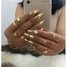 ✨✨Gold Chrome Omg ✨ @mercedesmalia #chromenails