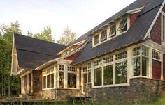 Craftsman style northwoods cabin in Wisconsin. Architect: new-buildings-in-a-classical-style Cabins In Wisconsin, Craftsman Style Homes, Craftsman Farmhouse, Craftsman Bungalows, Farmhouse Style, Cottage Exterior, Traditional Exterior, Cabin Design, Window Design