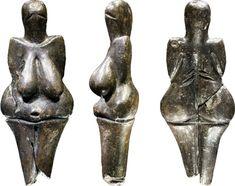 Estatuilla negra. En tiempos paleolíticos. El significativo florecer de la imagen femenina