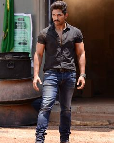 Image may contain: one or more people and people standing Indian Actress Photos, Bollywood Actress Hot Photos, Bollywood Actors, Actor Picture, Actor Photo, Romantic Love Couple, Allu Arjun Wallpapers, Dj Movie, Allu Arjun Images